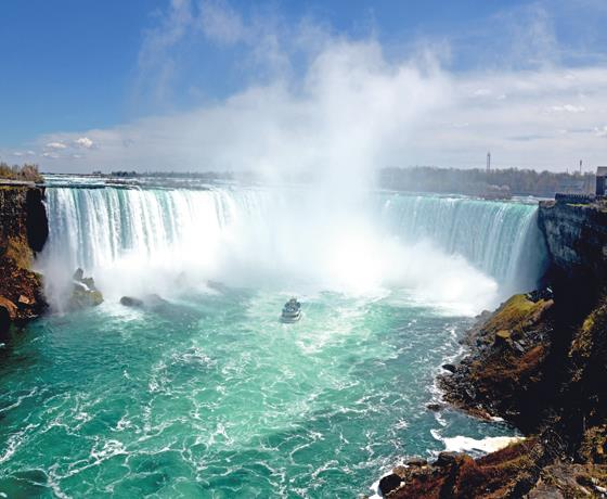 Niagara Falls & Queen Mary 2